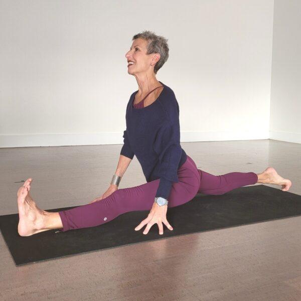 Linda Kay in a split